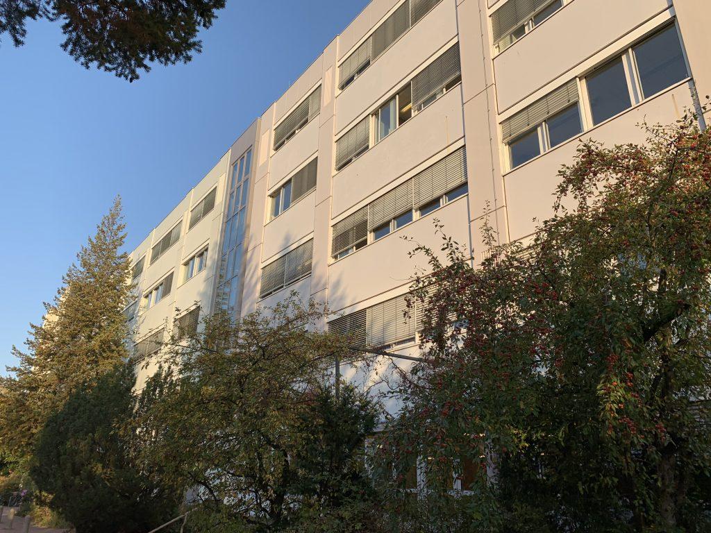 Bild der Schule von der Dudenstraße